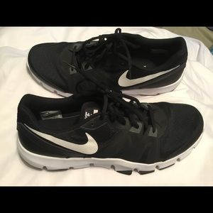 Nike Sneakers  - Flex Show TR Sneakers (Like New)